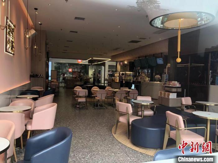 深圳暂停堂食餐饮服务区域现场顾客鲜有外卖骑手等候取餐